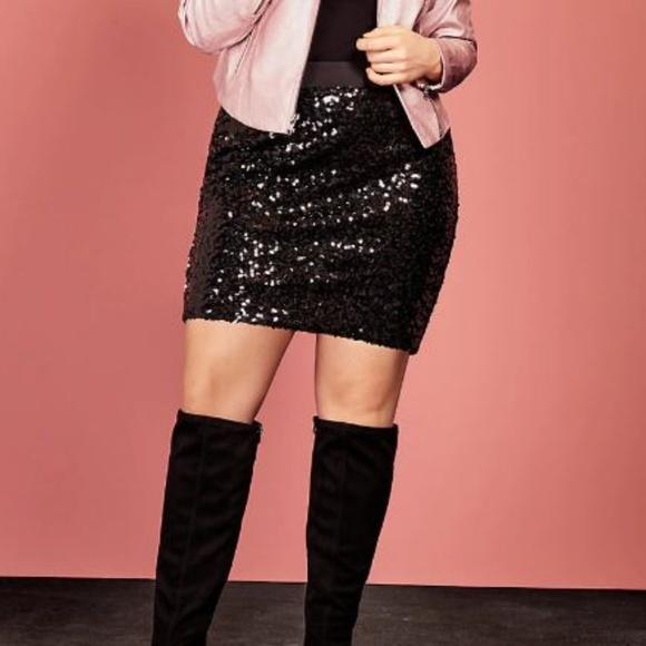 92c7f70da42f6 Torrid sequin Skirt size 2 Sparkly above knee. M 5bc1abaaa5d7c6d09ec39181